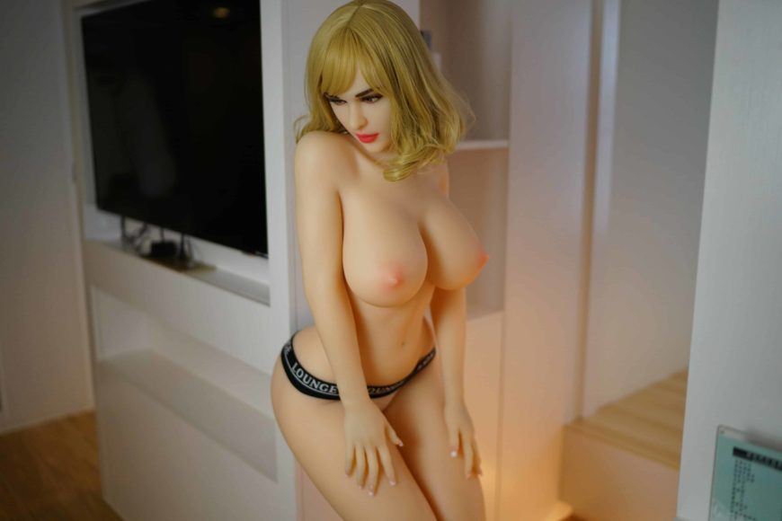Sex-Dolls-Cathy-Posing-Nude-5