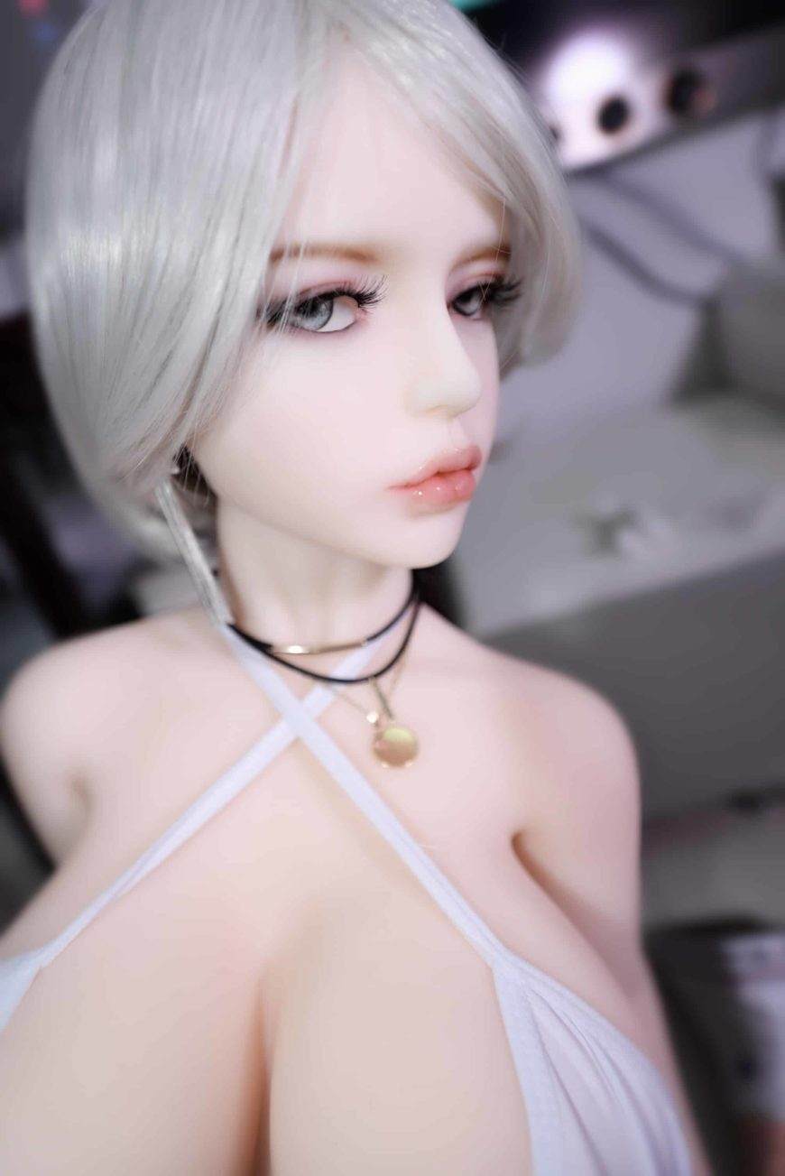 Dirty-Knights-Sex-Dolls-Alina-105cm-posing-nude-1 (14)