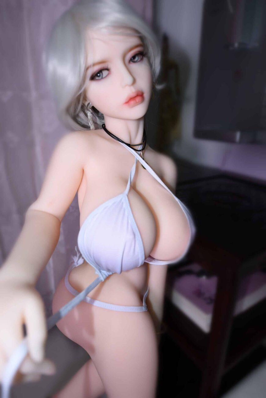 Dirty-Knights-Sex-Dolls-Alina-105cm-posing-nude-1 (18)