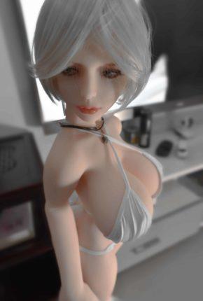 Dirty-Knights-Sex-Dolls-Alina-105cm-posing-nude-1 (3)