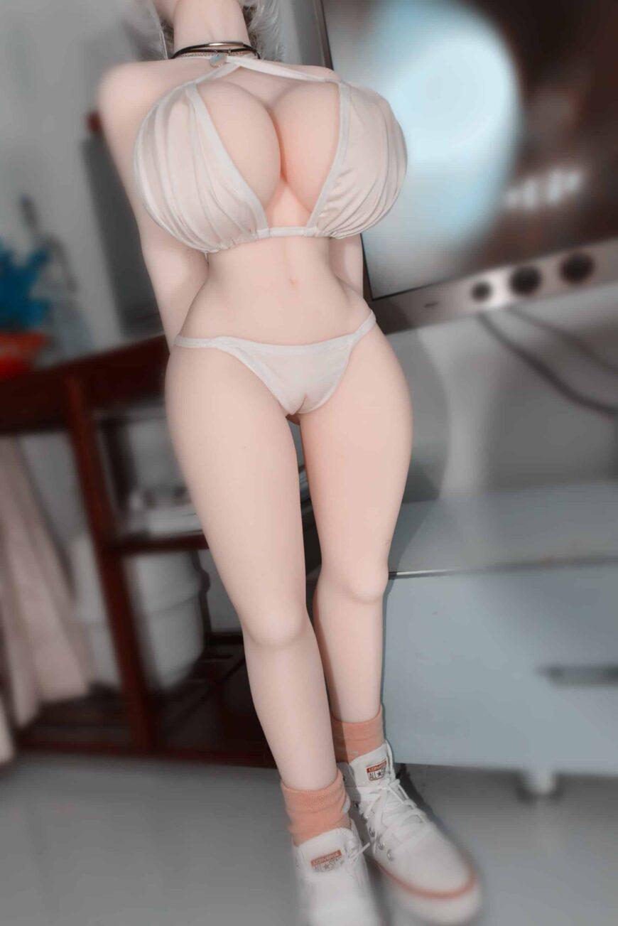 Dirty-Knights-Sex-Dolls-Alina-105cm-posing-nude-1 (7)