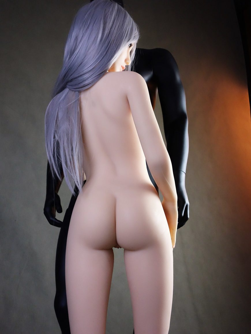 Sex-Doll-Yan-Posing-for-Dirty-Knights-Sex-Dolls (13)
