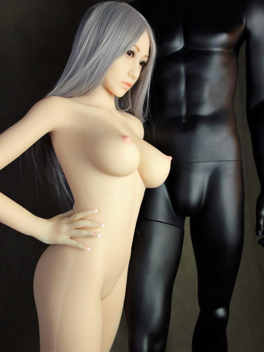 Sex-Doll-Yan-Posing-for-Dirty-Knights-Sex-Dolls (15)