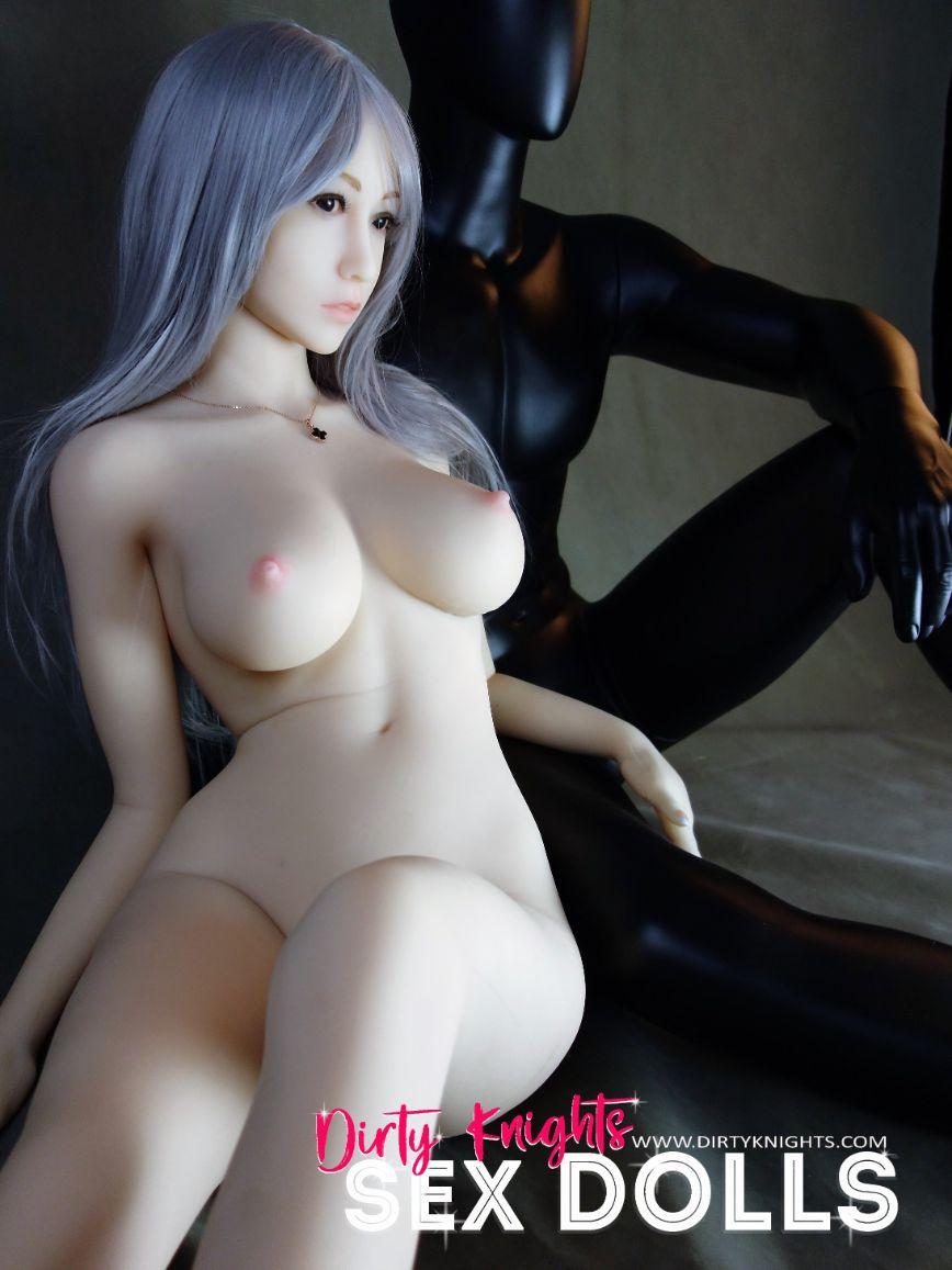 Sex-Doll-Yan-Posing-for-Dirty-Knights-Sex-Dolls (20)