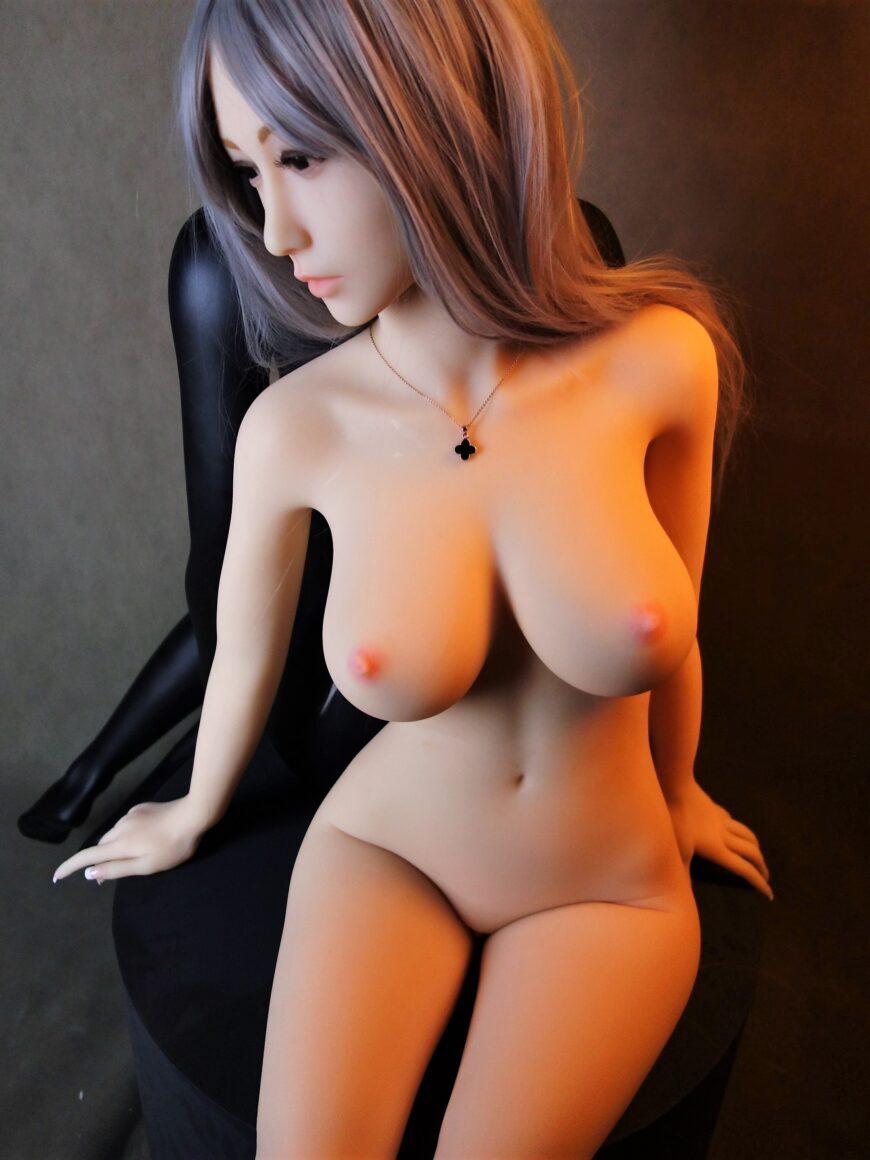 Sex-Doll-Yan-Posing-for-Dirty-Knights-Sex-Dolls (23)