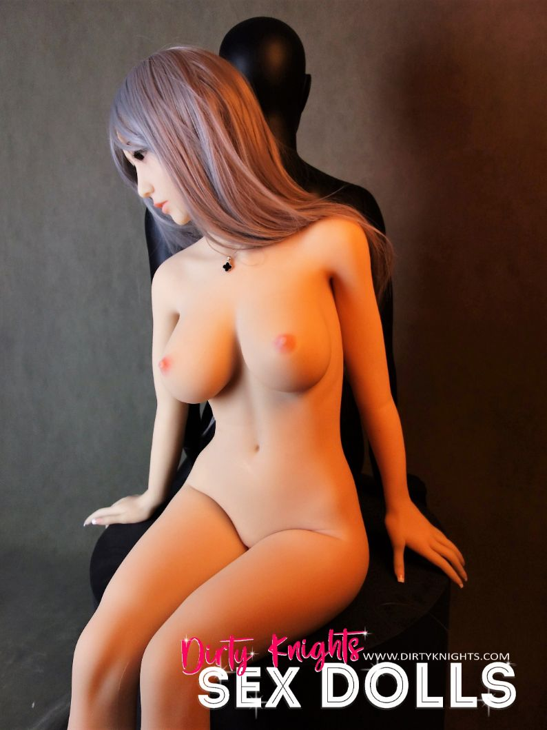 Sex-Doll-Yan-Posing-for-Dirty-Knights-Sex-Dolls (26)