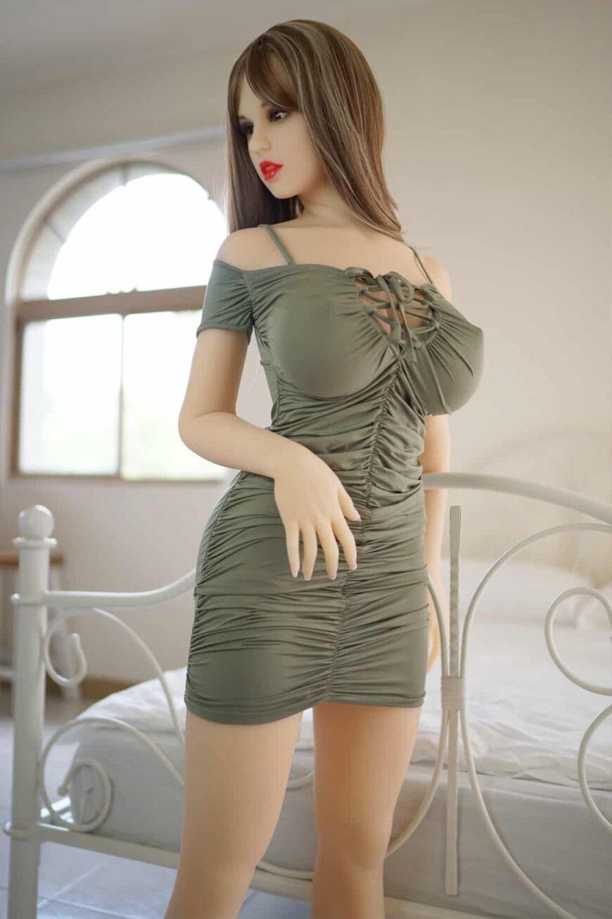 Sex-Dolls-Beth-posing-naked-in-bedroom-1 (33)