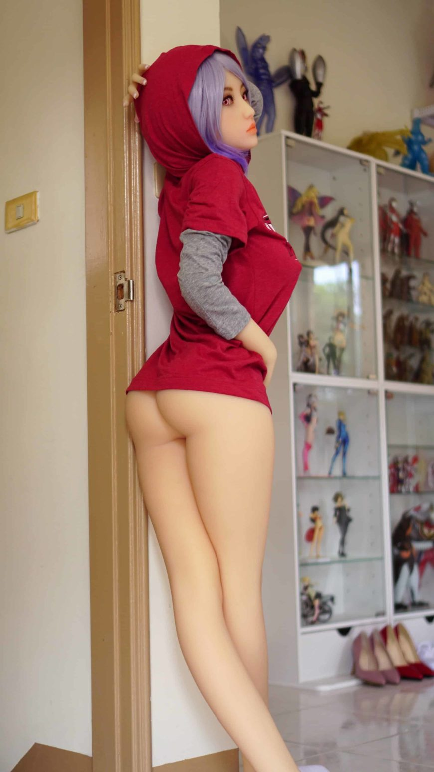 Sex-Dolls-Eirian-standing-naked-1 (13)