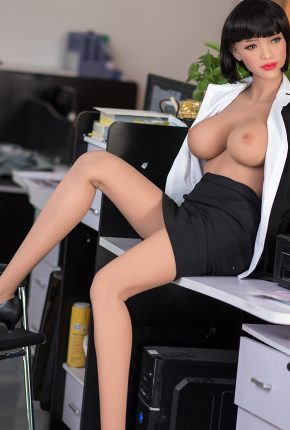 Sexy-doll-from-Dirty-Knights-Sex-Dolls-Posing-in-Office-Clothes-1 (1)