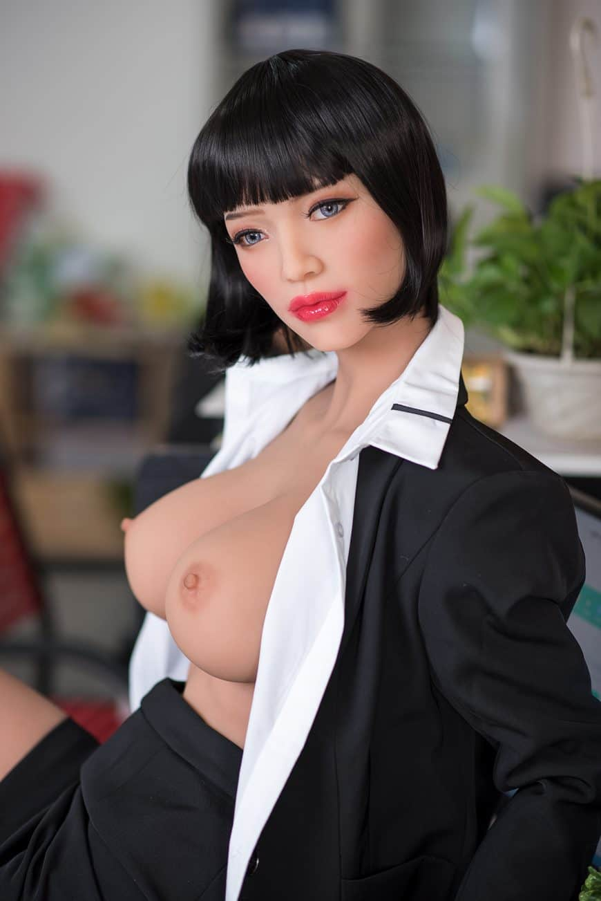 Sexy-doll-from-Dirty-Knights-Sex-Dolls-Posing-in-Office-Clothes-1 (13)