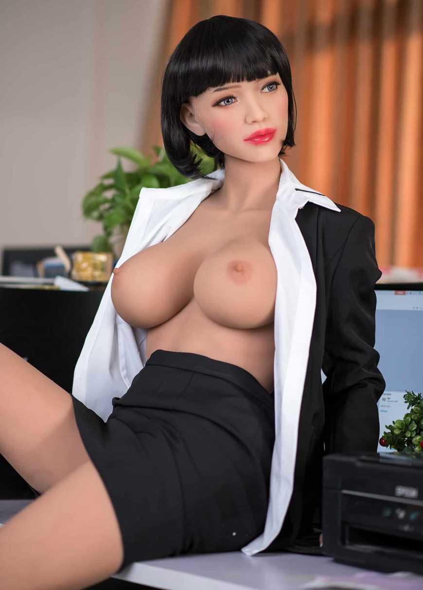 Sexy-doll-from-Dirty-Knights-Sex-Dolls-Posing-in-Office-Clothes-1 (14)