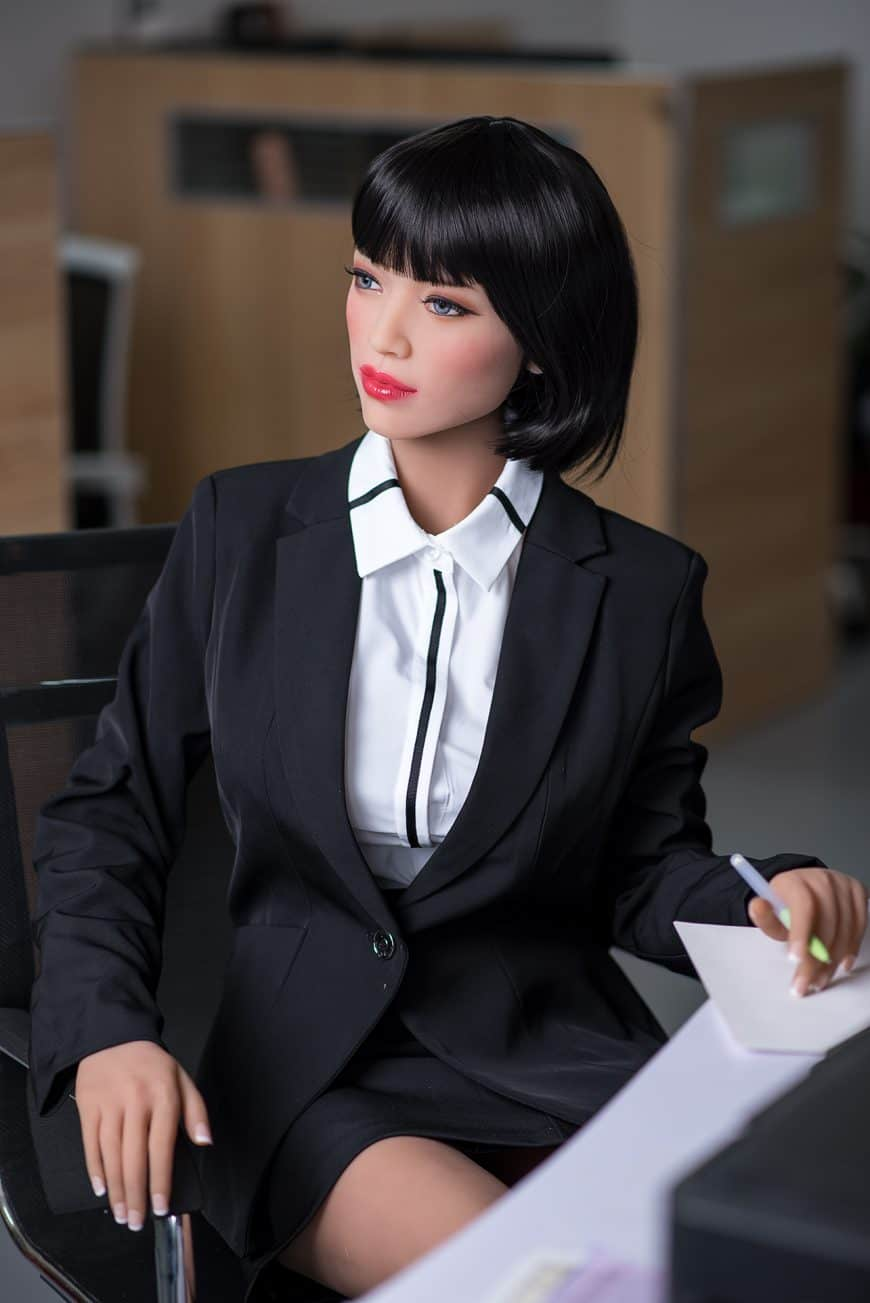 Sexy-doll-from-Dirty-Knights-Sex-Dolls-Posing-in-Office-Clothes-1 (3)