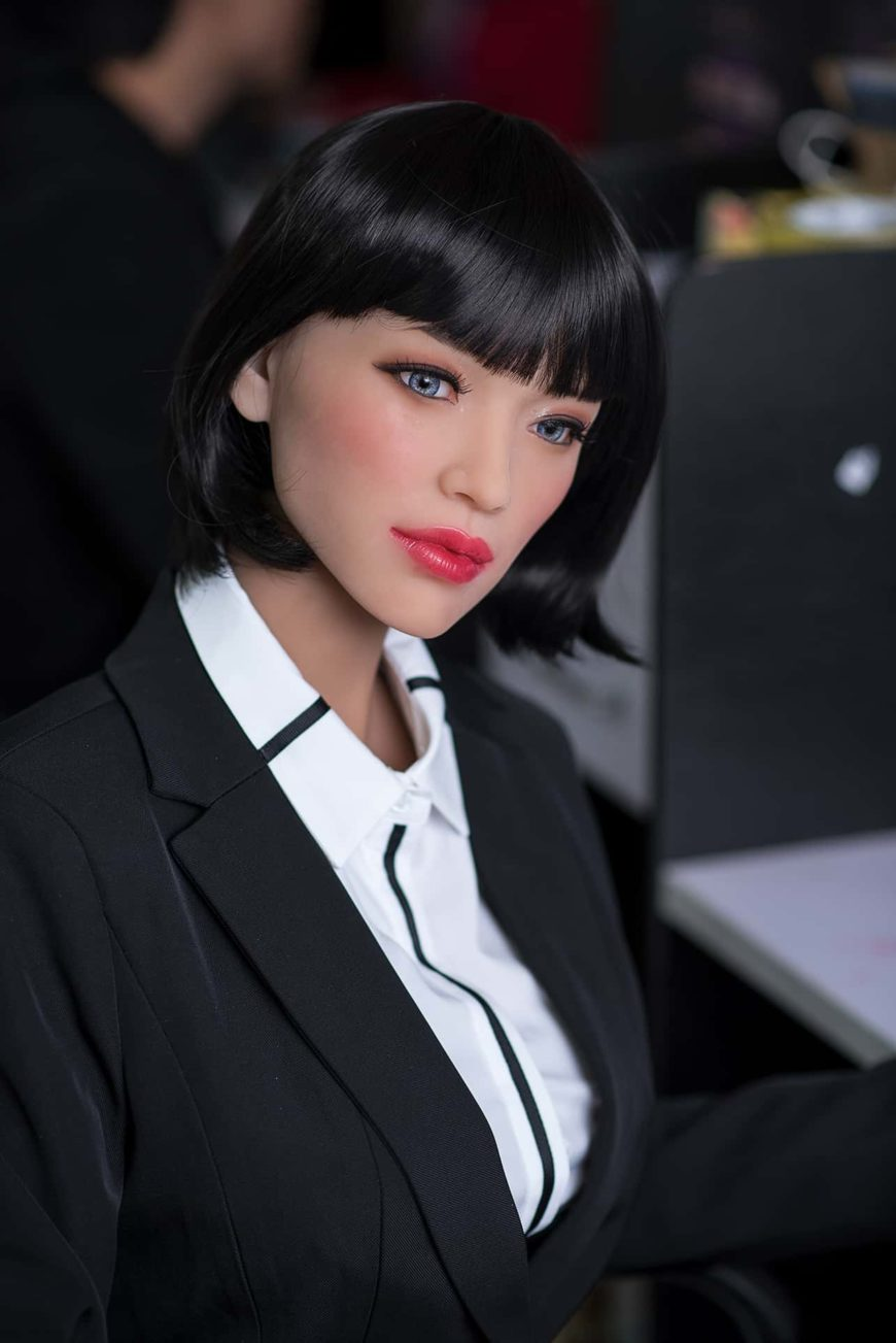 Sexy-doll-from-Dirty-Knights-Sex-Dolls-Posing-in-Office-Clothes-1 (5)