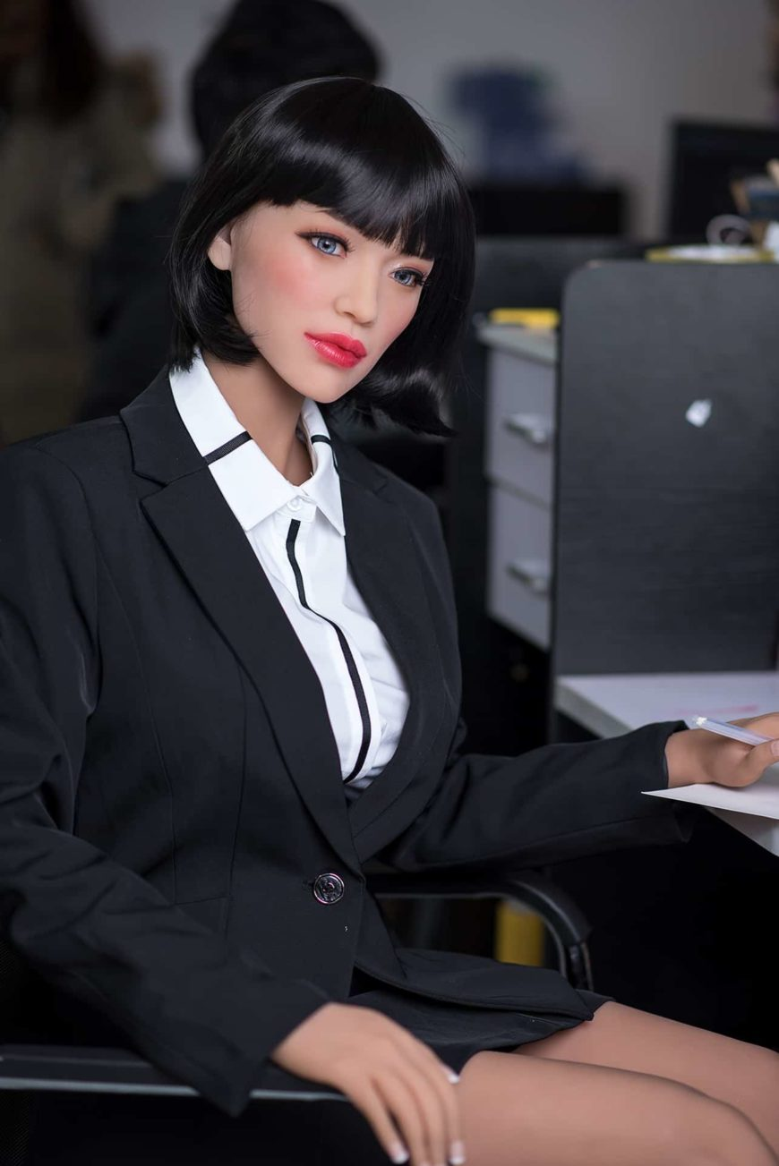Sexy-doll-from-Dirty-Knights-Sex-Dolls-Posing-in-Office-Clothes-1 (7)
