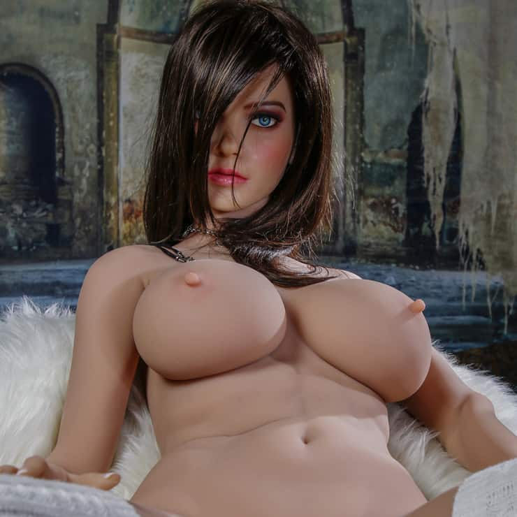Dirty-Knights-Sex-Dolls-Lillian-posing-for-photos-nude- (1)
