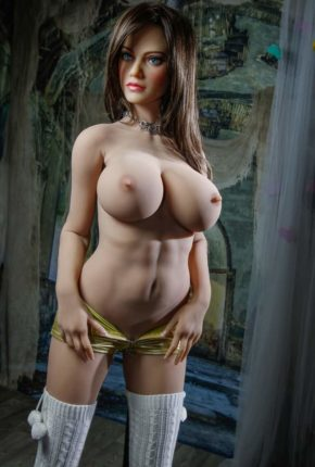 Dirty-Knights-Sex-Dolls-Lillian-posing-for-photos-nude- (6)