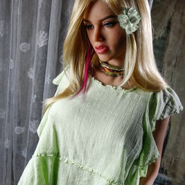 Scarlett-Sex-Doll-Posing-in-pants-and-green-shirt-1 (5)