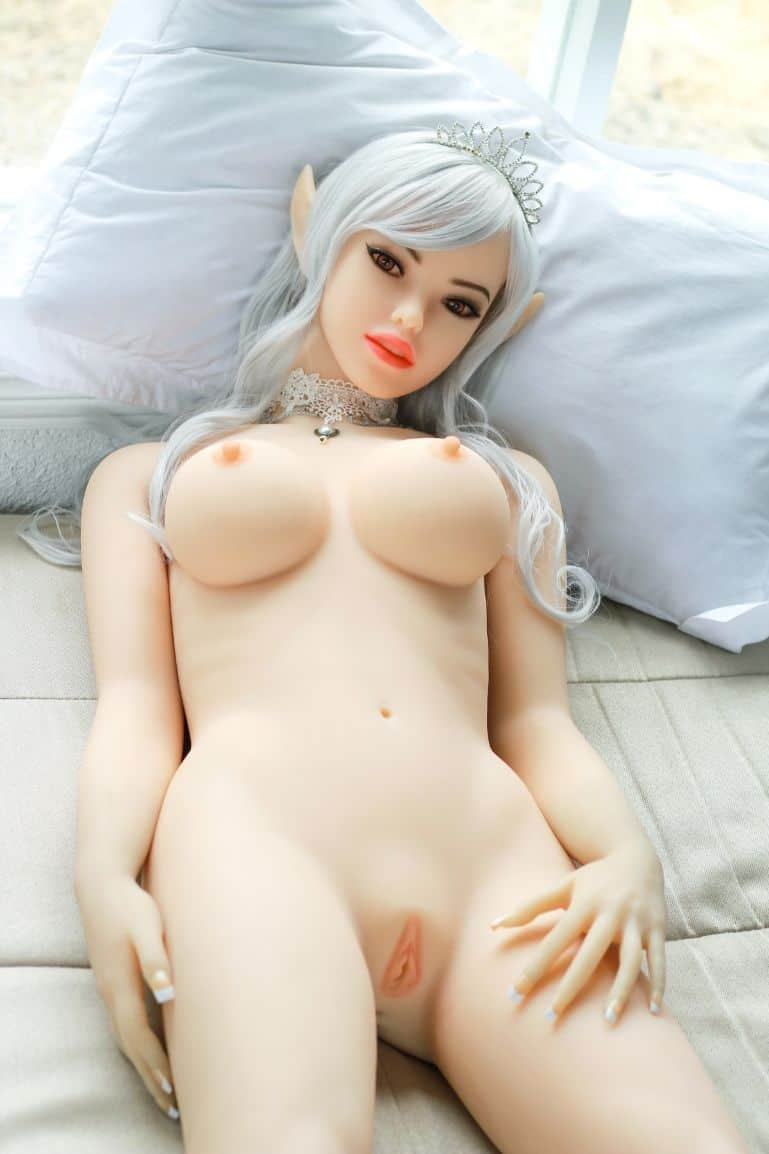 Alana Elf Sex Doll Posing Nude for Dirty Knights Sex Dolls 1 (8)