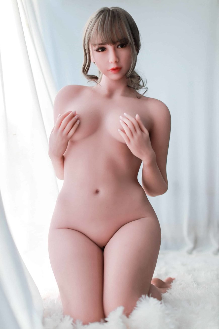 Cora sex doll posing nude for Dirty Knights Sex dolls website (16)