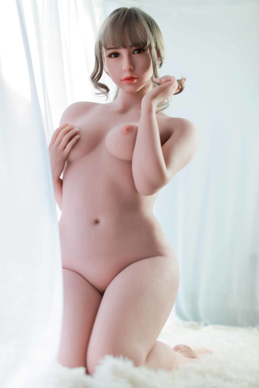 Cora sex doll posing nude for Dirty Knights Sex dolls website (2)