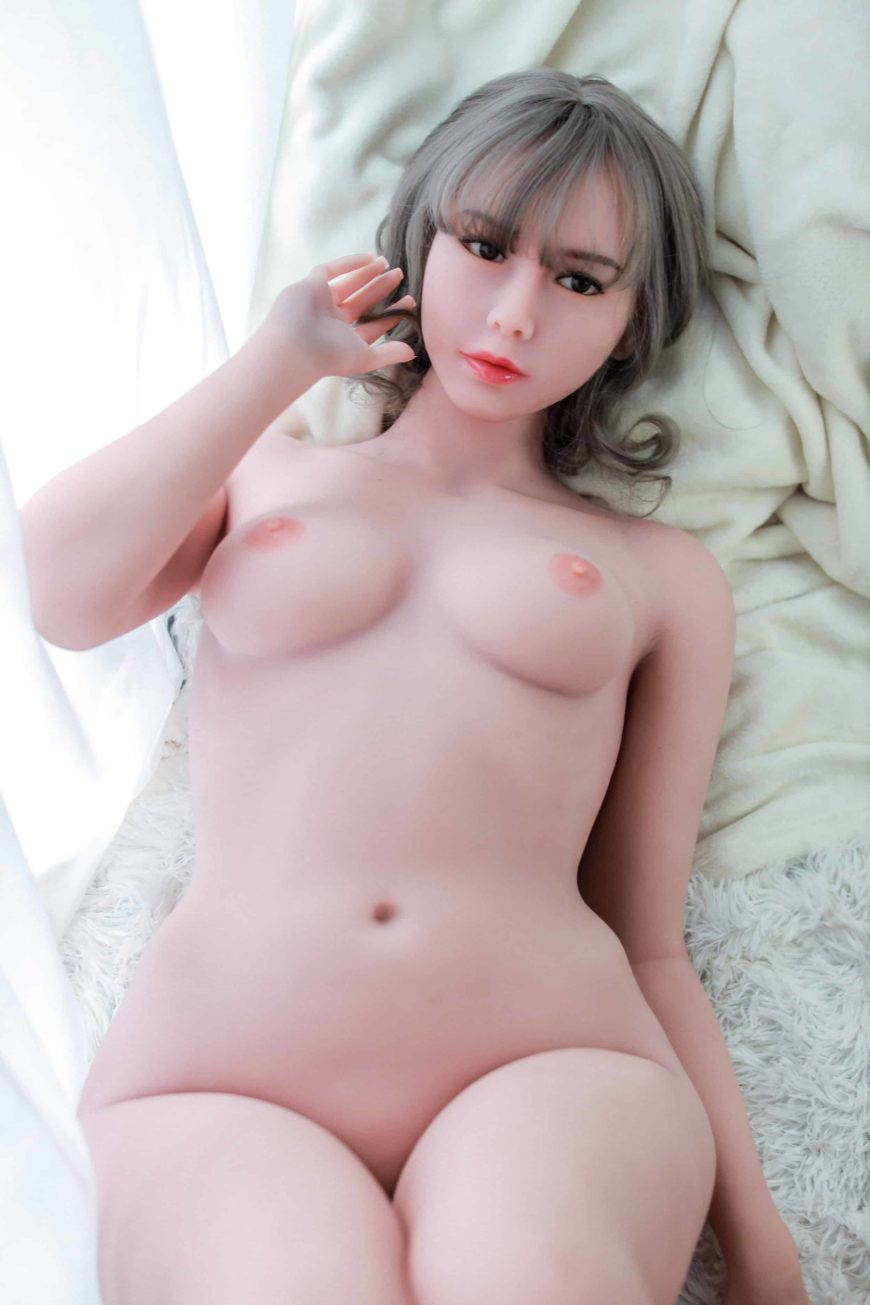 Cora sex doll posing nude for Dirty Knights Sex dolls website (3)
