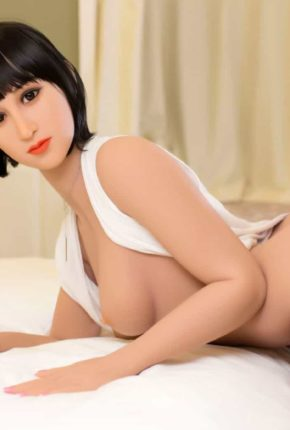 Marian posing seductively for dirty knights sex dolls (20)
