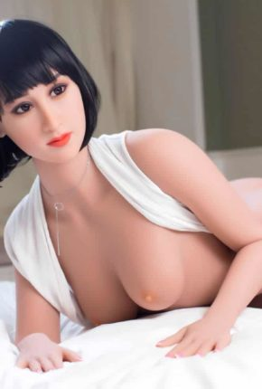 Marian posing seductively for dirty knights sex dolls (21)