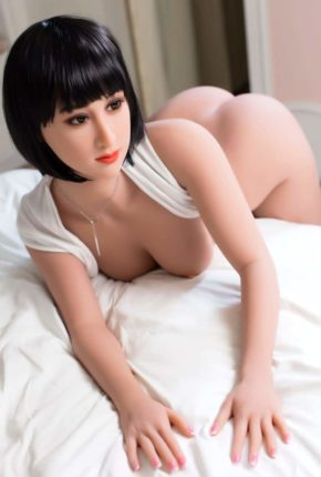 Marian posing seductively for dirty knights sex dolls (22)