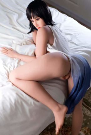 Marian posing seductively for dirty knights sex dolls (26)