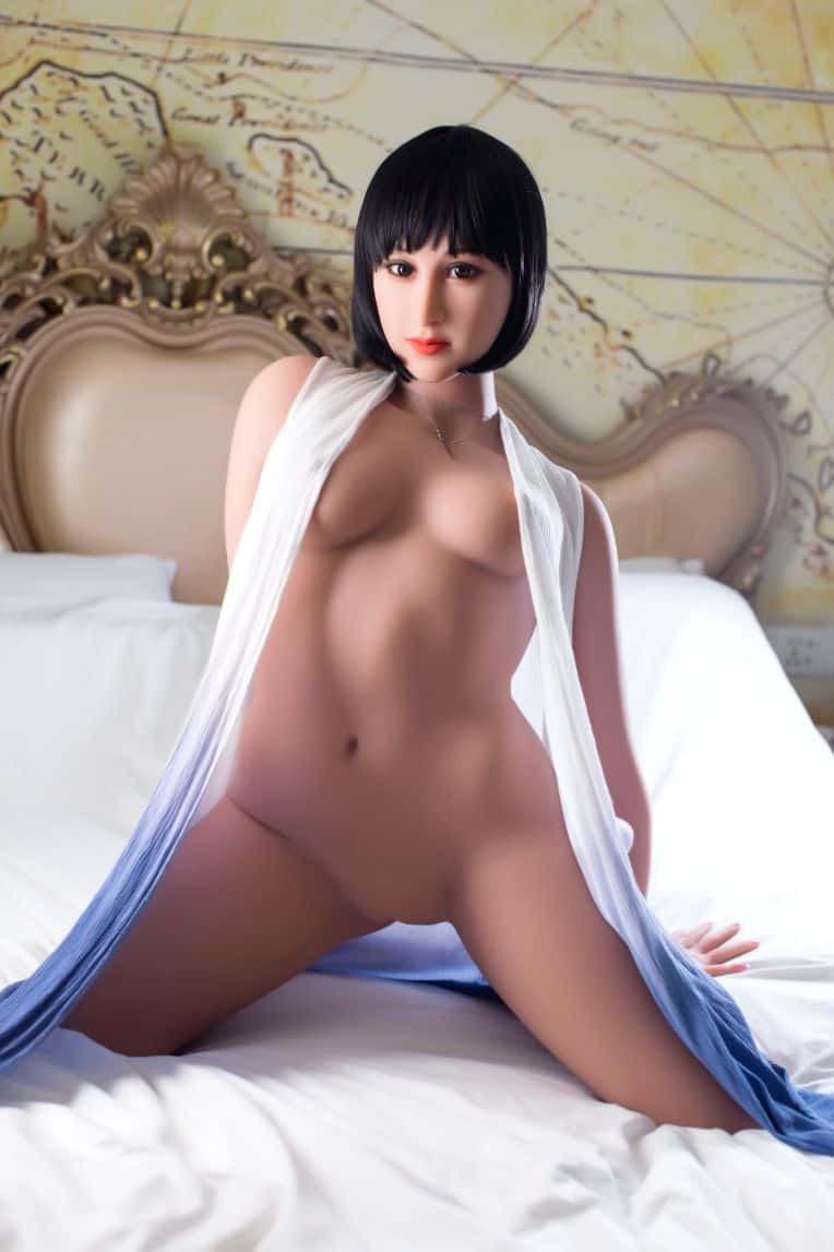 Marian posing seductively for dirty knights sex dolls (33)