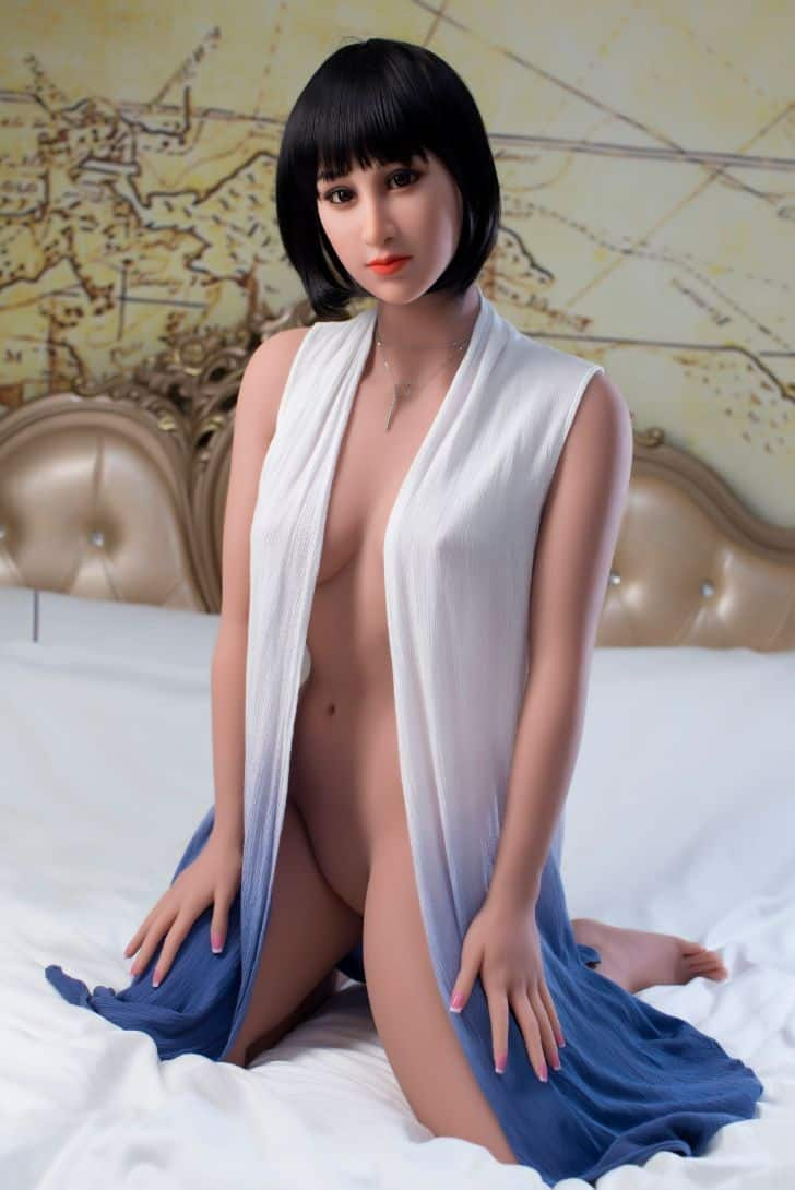 Marian posing seductively for dirty knights sex dolls (35)