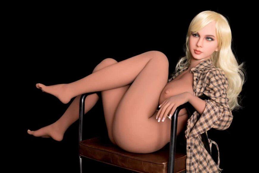 Sex Doll Elizabeth Posing Nude for Dirty Knights Sex Dolls (21)