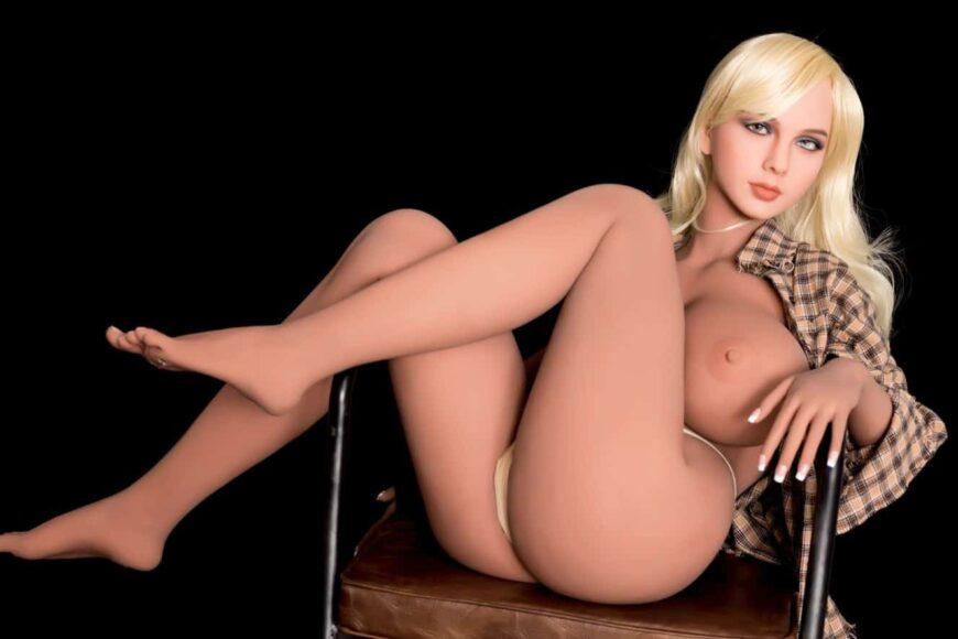 Sex Doll Elizabeth Posing Nude for Dirty Knights Sex Dolls (22)