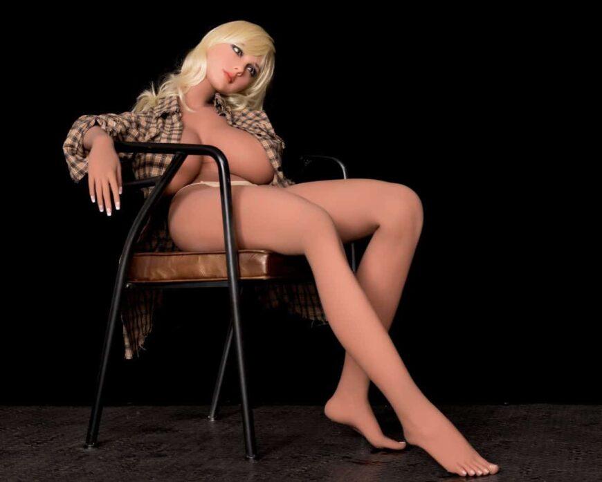 Sex Doll Elizabeth Posing Nude for Dirty Knights Sex Dolls (29)
