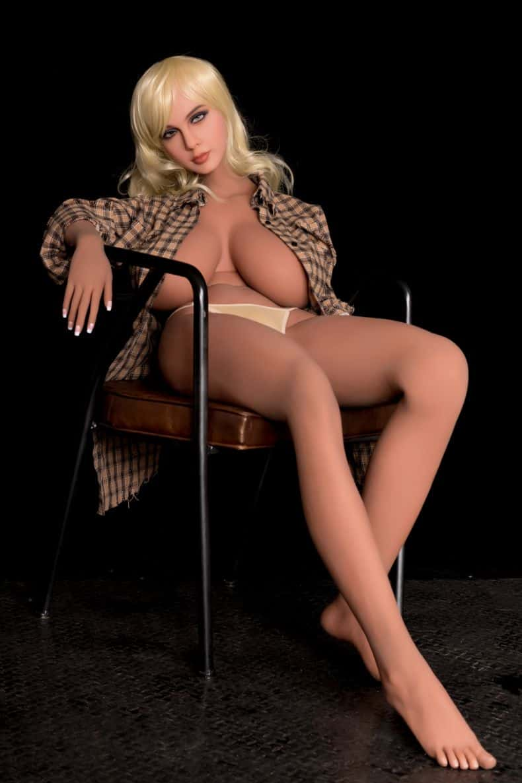 Sex Doll Elizabeth Posing Nude for Dirty Knights Sex Dolls (30)