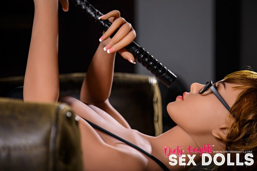 sex doll Lakynn posing nude in Dirty Knights Sex Doll Studio (20)
