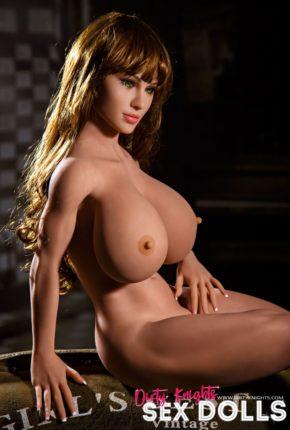 sex doll Lakynn posing nude in Dirty Knights Sex Doll Studio (4)