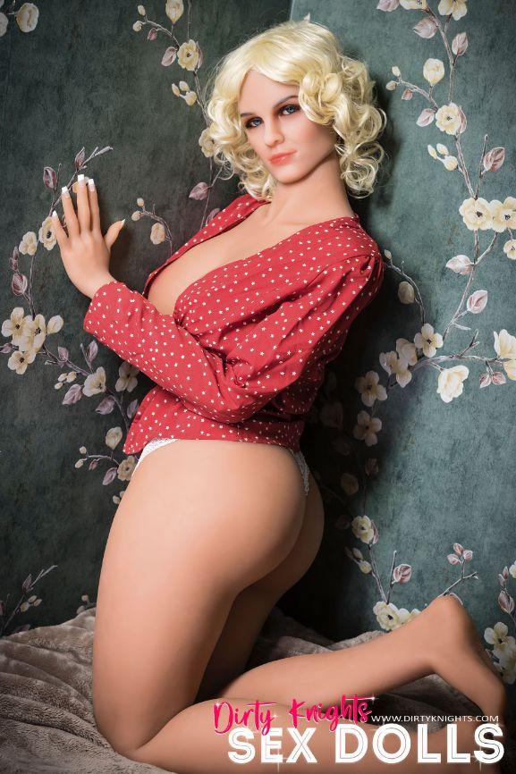 Hazel sex doll posing nude for Dirty Knights Sex Dolls website (15)