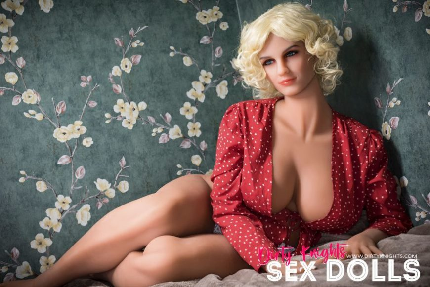 Hazel sex doll posing nude for Dirty Knights Sex Dolls website (23)
