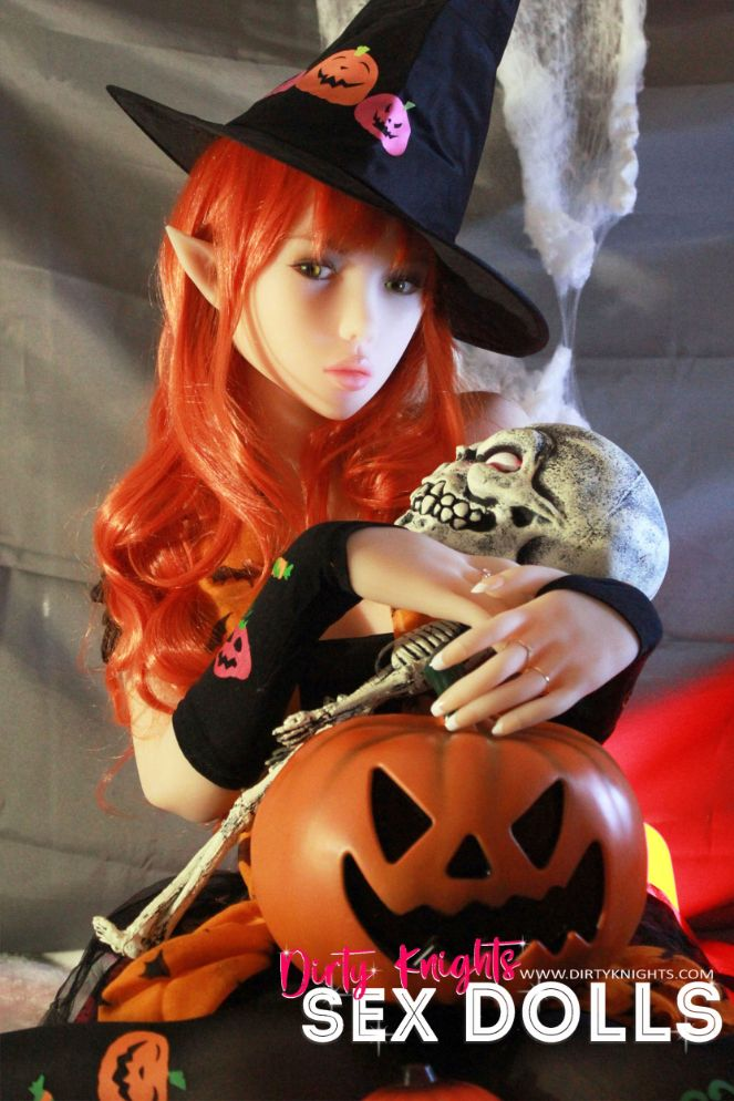 Sex Doll Dora Elf from Dirty Knights Sex Dolls posing in her Halloween outfit (8)
