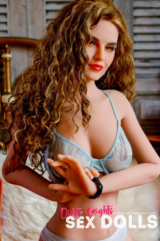 Savanah Sex Doll posing nude for Dirty Knights Sex Dolls (10)