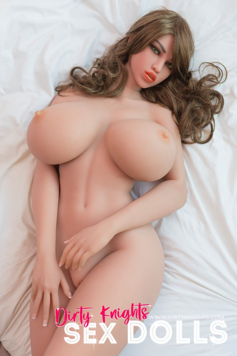 Heather posing nude for Dirty Knights Sex Dolls (2)