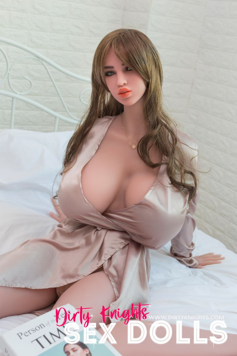 Heather posing nude for Dirty Knights Sex Dolls (6)