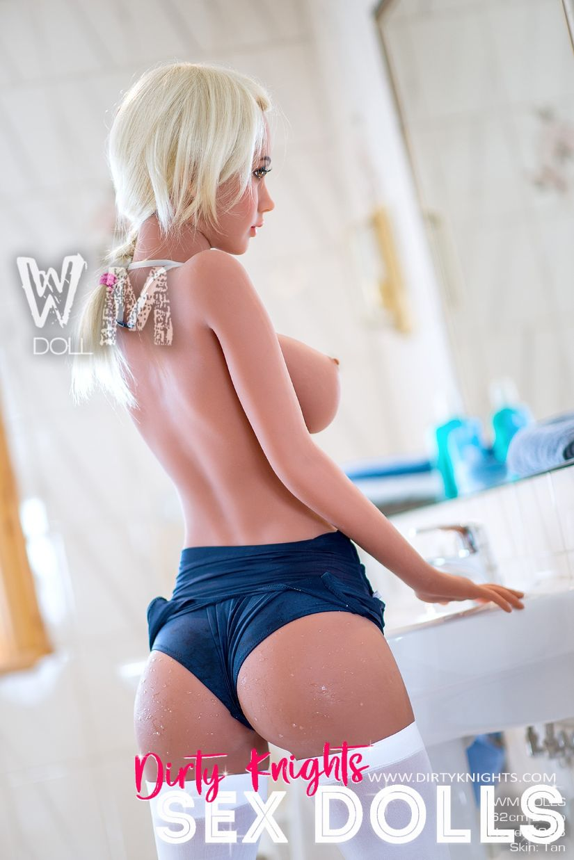 Sex Doll Beth a WM Doll Model is posing nude for Dirty Knights Sex Dolls 1 (16)