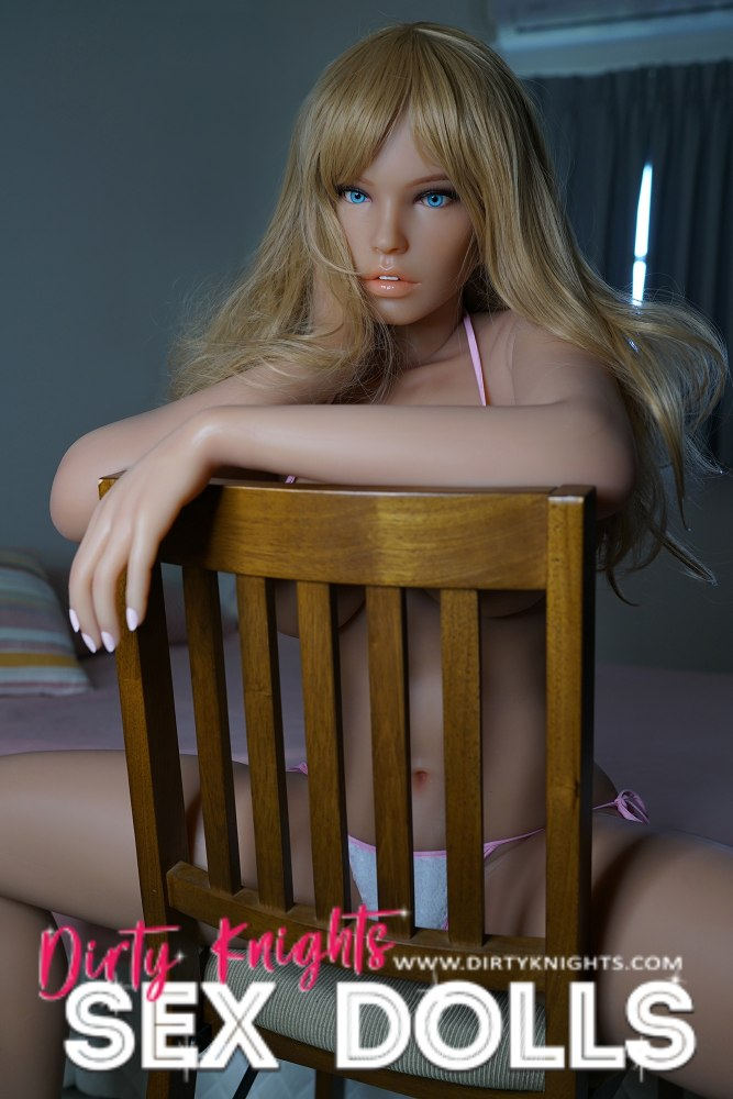 Jenna Silicone Doll from Piper dolls posing nude for Dirty Knights Sex Dolls (17)